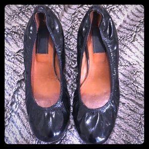 LANVIN Black Patent Leather Kitten Heels